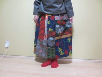 レトロポップな着物リメイク☆ウールの着物からパッチ&パッチでキュートなおとなスカート78㎝の画像