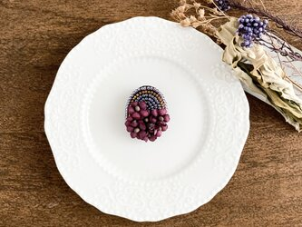 """Brooch : ブローチ """" Embroidery and flower brooch. """"  パープル×エンジ の画像"""