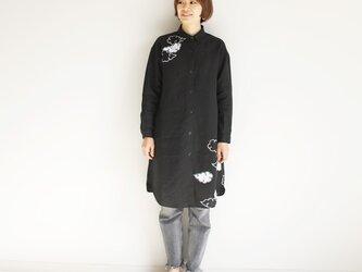 リネン・ロングシャツ黒 <雲>の画像