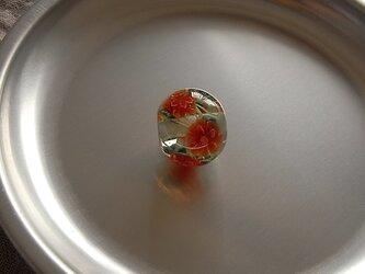 さざんか球・赤・ガラス製・とんぼ玉・小振りの画像