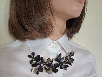 首飾り*black flowerの画像
