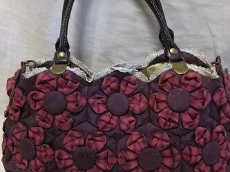 折り布キルトのバッグの画像