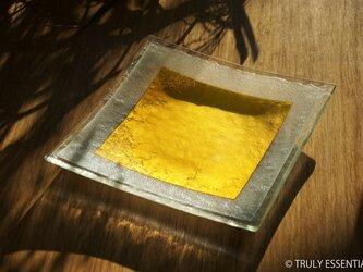 ガラスの大皿 -「 金色のガラス 」● 約25cm角の画像