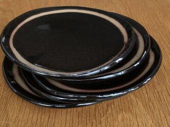 黒の小皿の画像
