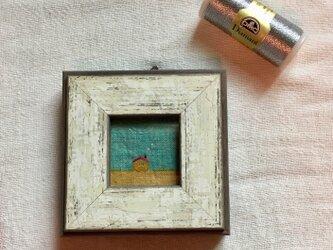 染色と刺しゅう 小さな額 「小さなお家」の画像