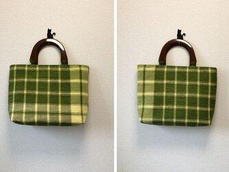 裂き織り 若葉チェックのハンドバッグ(べっこう風ハンドル)の画像