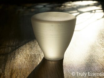 つや消し無色透明ガラスのインテリアトレイ -「 灯りのたね 」●直径約7cmの画像