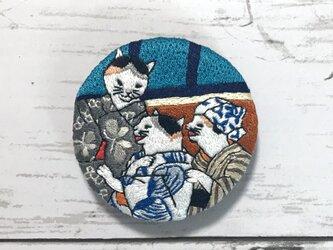 手刺繍浮世絵ブローチ*歌川国芳「おぼろ月猫の盛」よりの画像
