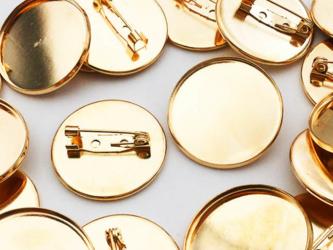 送料無料 ブローチピン 19mm ミール皿 台座付 20個 ゴールド KC金 ミール皿 内径約25mm コサージュ AP0518の画像