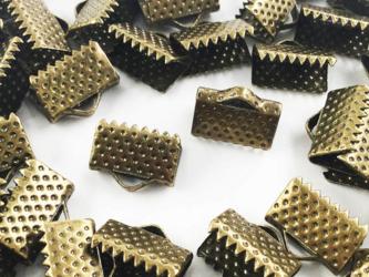 送料無料 ワニグチ 金具 50個 リボン 留め 紐 留め 10mm 金古美 アンティークゴールド ワニカン (AP0555)の画像