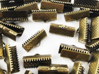 送料無料 ワニグチ 金具 50個 リボン 留め 紐 留め 16mm 金古美 アンティークゴールド ワニカン (AP0563)の画像