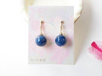 藍染コットンボールイヤリングの画像