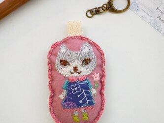 Sold out: 刺繍クッションのキーホルダー「ねこ」の画像