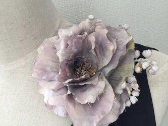 186  シックなモーヴ色味の薔薇の画像
