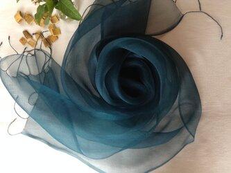 【藍とキハダの重ね染め】シルクオーガンジーストール 深藍色 (53cm幅)の画像