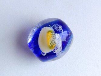 クラゲのとんぼ玉 青1の画像