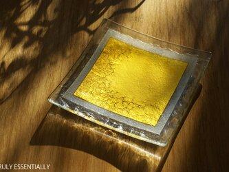 ガラスの角皿 -「 金色のガラス 」● 16cm角の画像