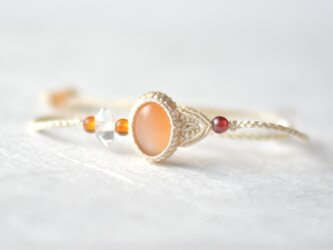 【シルク】オレンジムーンストーン/マクラメブレスレットの画像
