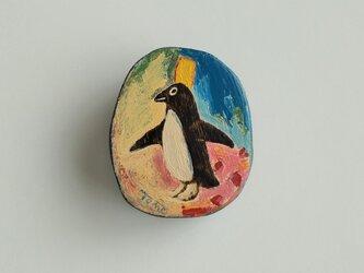 黄色い帽子のペンギンの画像
