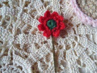 編み小花のヘアピンの画像