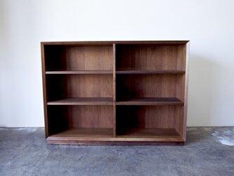本棚 ブックシェルフ シンプルなデザイン ウォールナット 幅130cmの画像
