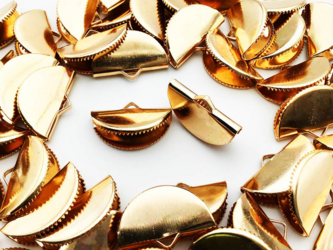 送料無料 ワニグチ 金具 50個 リボン 留め 紐 留め 20mm ゴールド KC金 扇型 ワニ口 ワニカンAP0888の画像