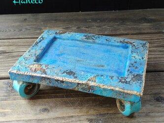 うずまき足の青色板皿  no.2の画像