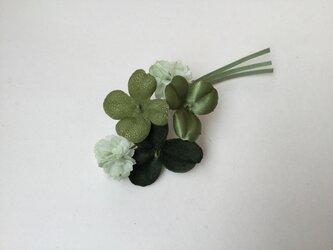 再販四つ葉のクローバーの画像