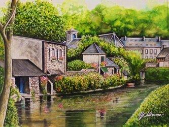 水辺の町の画像