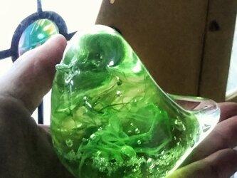 メロンソーダのようなグリーンのガラスの鳥✱ご注文前に在庫の有無をお問い合わせ下さいの画像