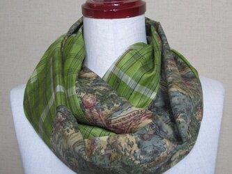 着物リメイク グリーン系手織り紬×風景模様着物から大人スヌードの画像