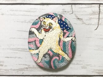 手刺繍日本画ブローチ*与謝蕪村「榊原家の化け猫」よりの画像