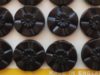 (1個)お花の形のヴィンテージボタン 22mm ブラック イギリス製の画像