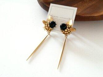 earring /// stick black onyx botanical flowerの画像
