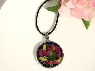 ハートの花びらのリバーシブルネックレスの画像