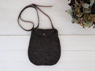 ヴィンテージウールのミニバッグ(カラーケンピ入り茶 ツイード)の画像