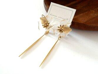 earring /// stick clear flowerの画像