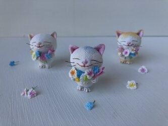 春の花束猫さんグレー白の画像