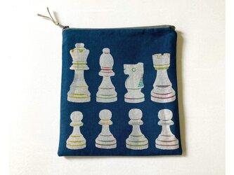 【再販】ファスナーポーチ正方形[チェス]紺の画像