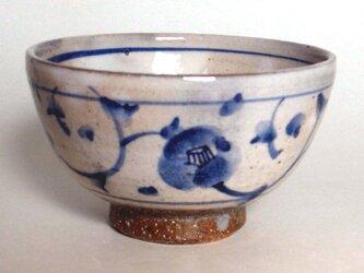 染付椿唐草ごはん茶碗の画像