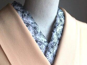 洗える半襟 オーガンジー刺繍 黒花の画像
