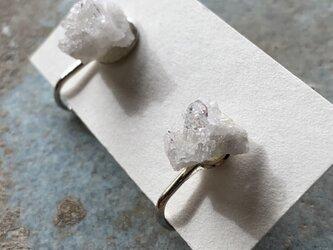 水晶の結晶のイヤリング2の画像