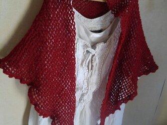 ネット編みのストール 落ち着いた赤の画像