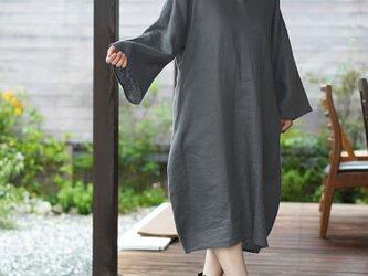 【wafu】中厚地 リネン ワンピース セーラーカラー コクーン 膝下丈 ミモレ丈 長袖/ディムグレー/a004b-dmg2の画像