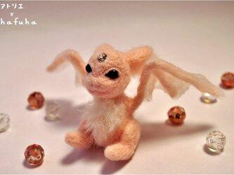 羊毛フェルト ベビーピンクドラゴンの画像