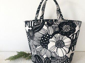 たっぷり入る❤︎デザイン花柄トートbagの画像