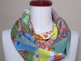 着物リメイク 古典花模様の長襦袢×大島紬×江戸小紋のパッチワークスヌードの画像
