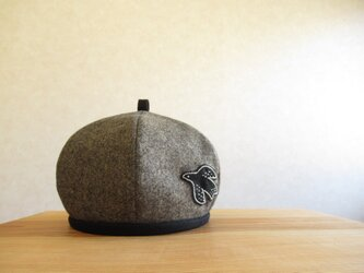 鳥さんアップリケのベレー帽 ウールツィード、ブラウンの画像