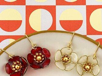 梅の花のピアス/イヤリング 1の画像