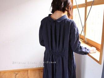 ○心地良く優しいリネン服○くったりベルギーリネンで魅せる、バックタックデザインシャツワンピース(ネイビー)の画像